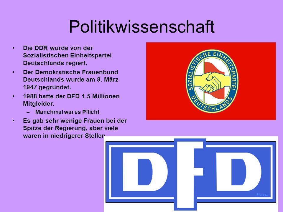 PolitikwissenschaftDie DDR wurde von der Sozialistischen Einheitspartei Deutschlands regiert.