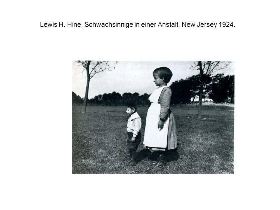 Lewis H. Hine, Schwachsinnige in einer Anstalt, New Jersey 1924.