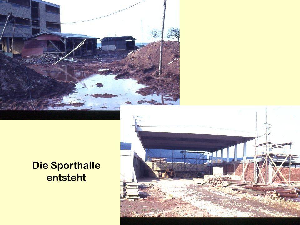 Die Sporthalle entsteht