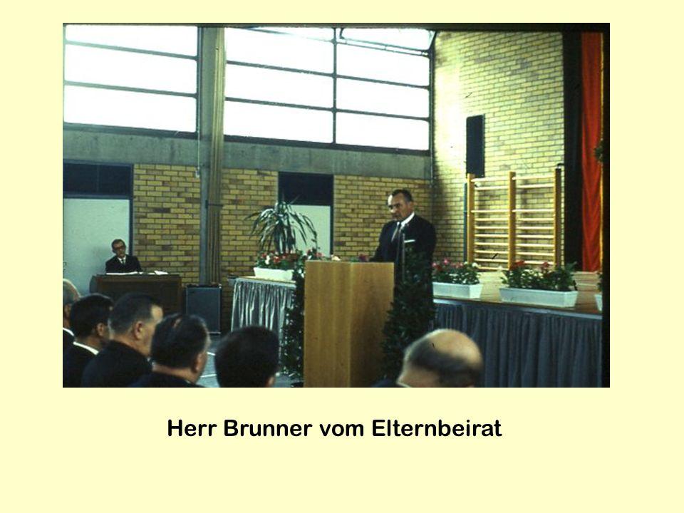 Herr Brunner vom Elternbeirat