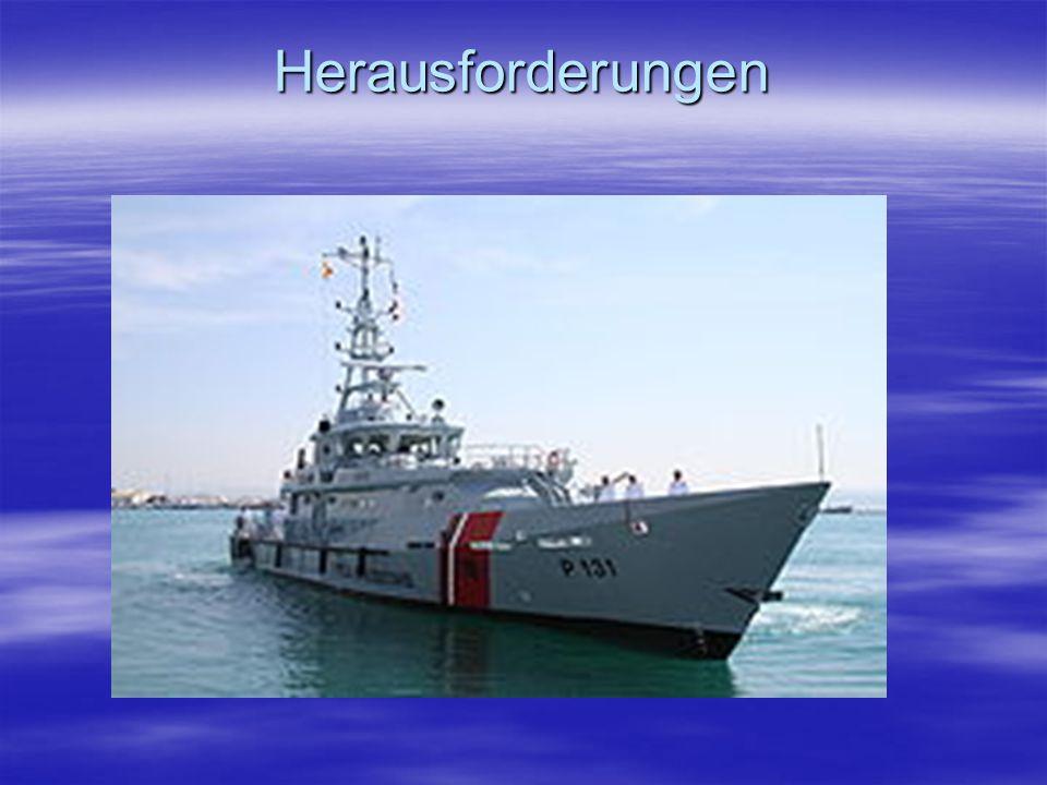 Herausforderungen Die Marine ist auch stark reduziert, wenn man in Betracht zeiht, dass Albanien mal 4 U-Boote gehabt hat.