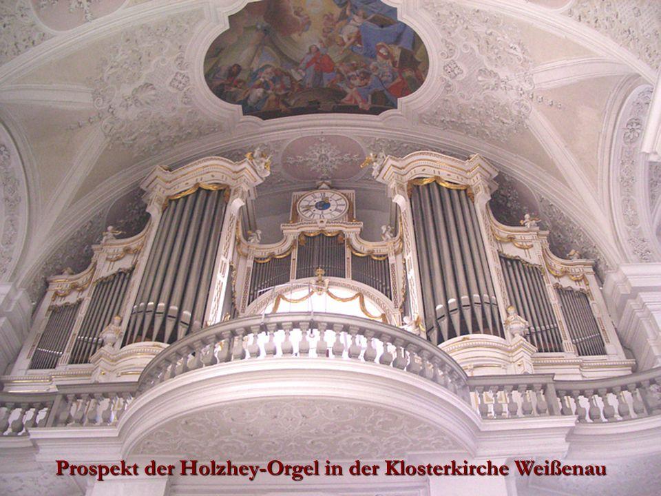 Prospekt der Holzhey-Orgel in der Klosterkirche Weißenau