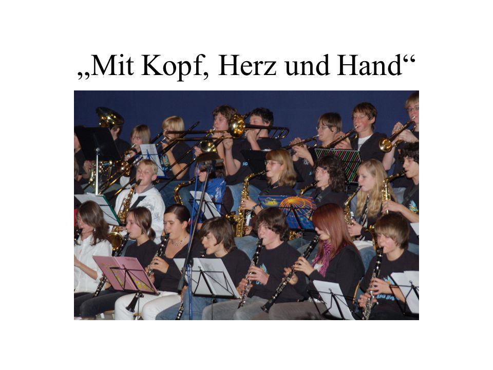 """""""Mit Kopf, Herz und Hand"""