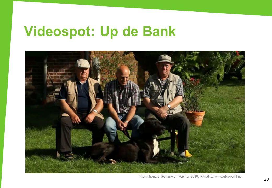 Videospot: Up de Bank Der Film wird gemeinsam angeschaut. Film