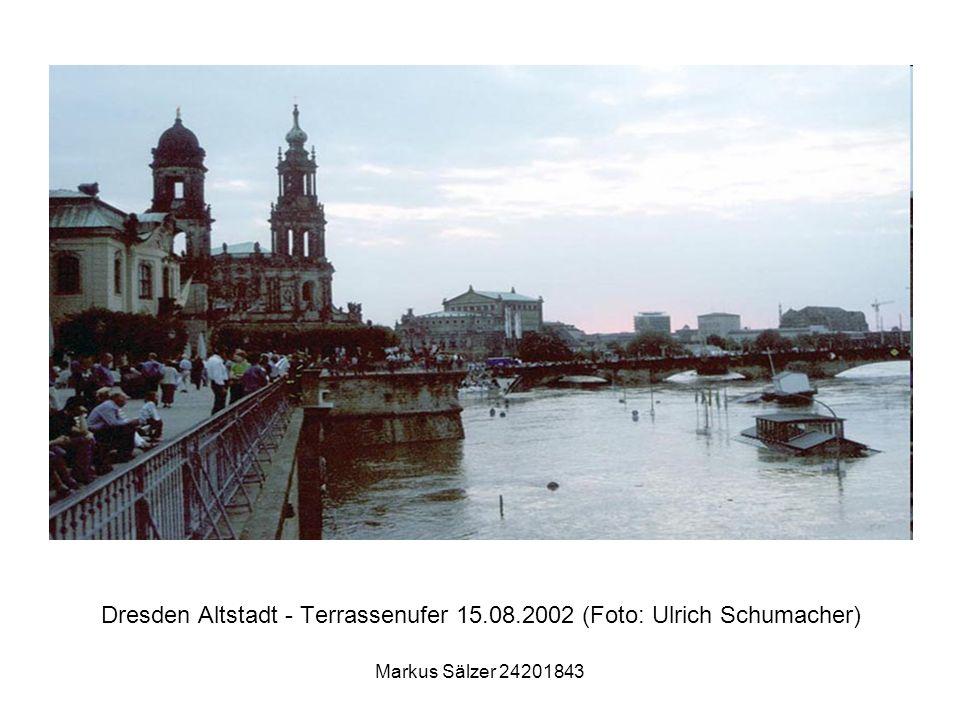 Dresden Altstadt - Terrassenufer 15.08.2002 (Foto: Ulrich Schumacher)