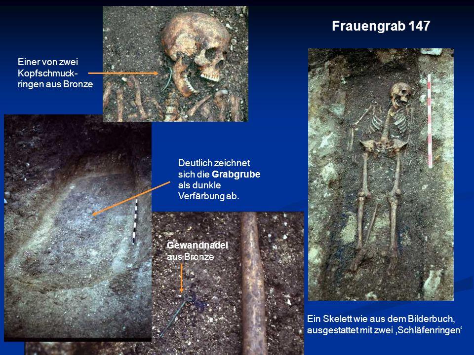 Frauengrab 147 Einer von zwei Kopfschmuck- ringen aus Bronze