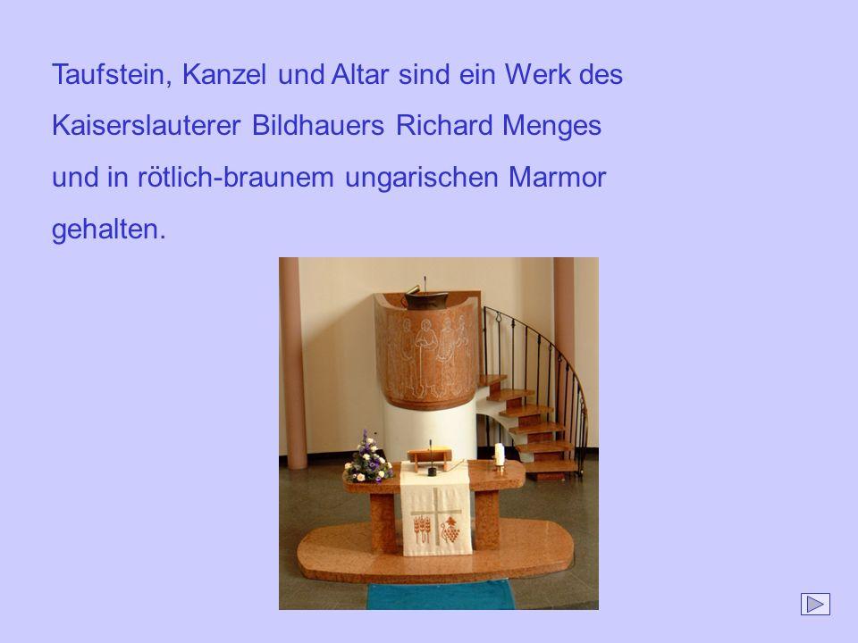 Taufstein, Kanzel und Altar sind ein Werk des