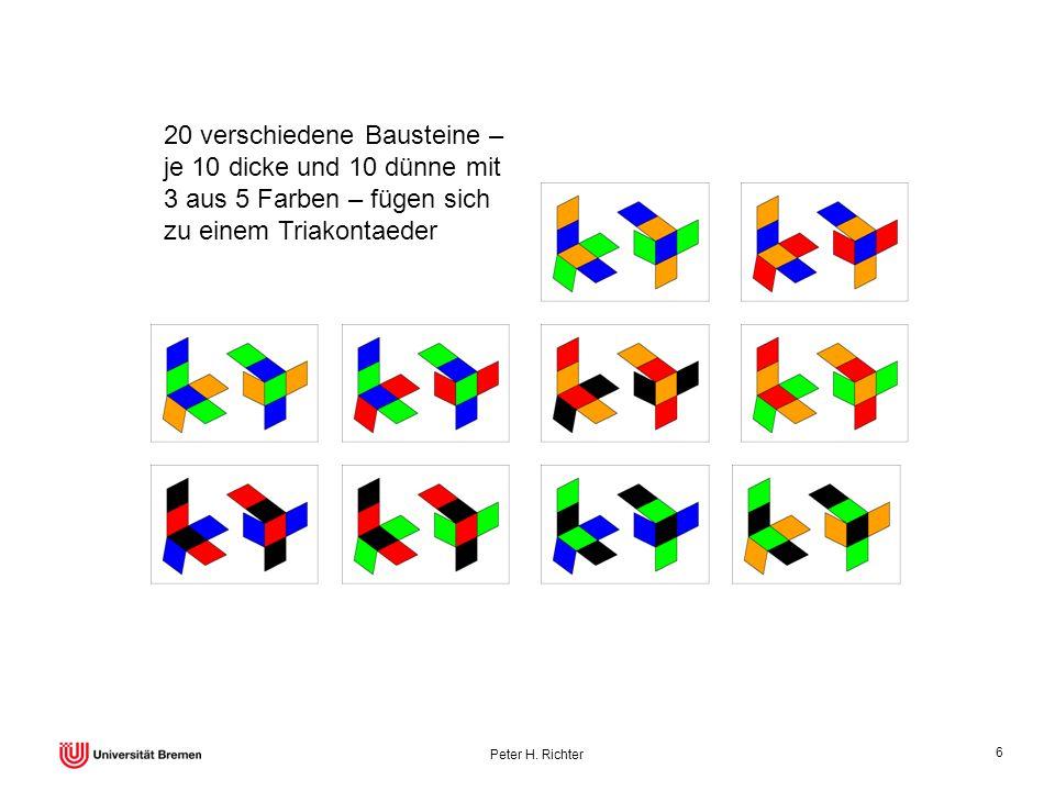 20 verschiedene Bausteine – je 10 dicke und 10 dünne mit 3 aus 5 Farben – fügen sich zu einem Triakontaeder