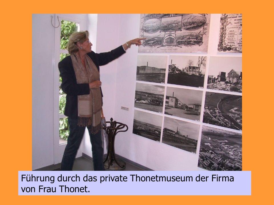 Führung durch das private Thonetmuseum der Firma von Frau Thonet.