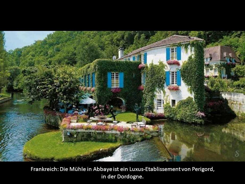 Frankreich: Die Mühle in Abbaye ist ein Luxus-Etablissement von Perigord, in der Dordogne.
