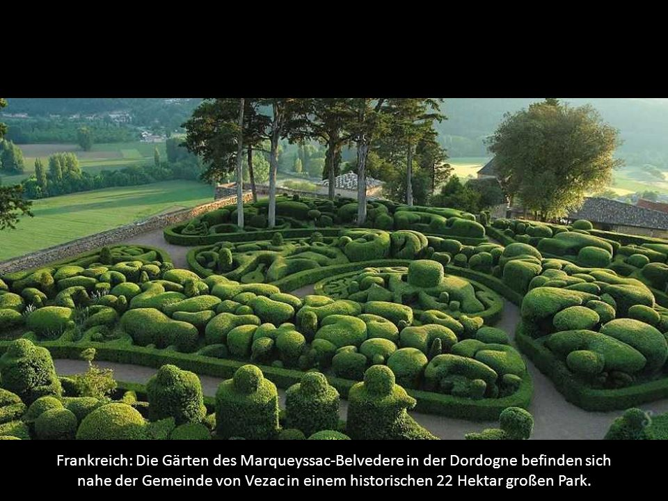 Frankreich: Die Gärten des Marqueyssac-Belvedere in der Dordogne befinden sich nahe der Gemeinde von Vezac in einem historischen 22 Hektar großen Park.
