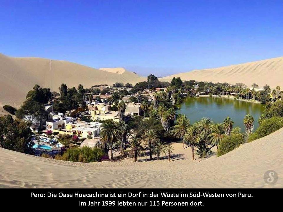 Peru: Die Oase Huacachina ist ein Dorf in der Wüste im Süd-Westen von Peru.