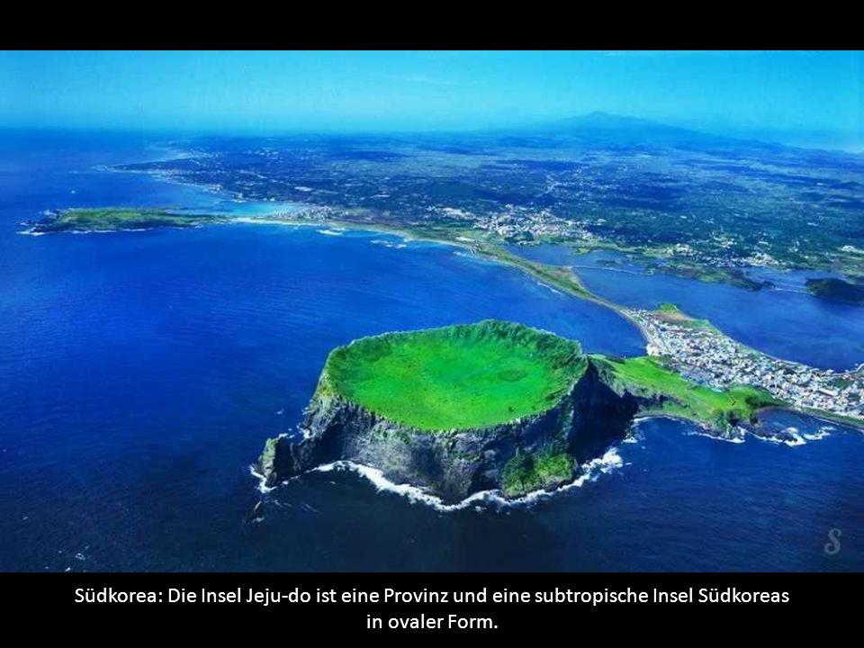 Südkorea: Die Insel Jeju-do ist eine Provinz und eine subtropische Insel Südkoreas in ovaler Form.