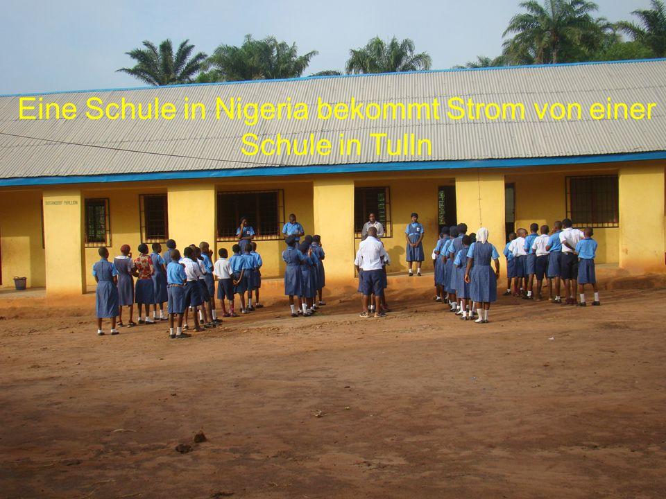 Eine Schule in Nigeria bekommt Strom von einer Schule in Tulln