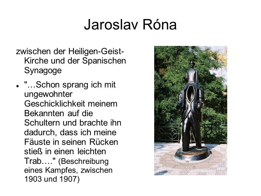 Jaroslav Róna zwischen der Heiligen-Geist- Kirche und der Spanischen Synagoge.