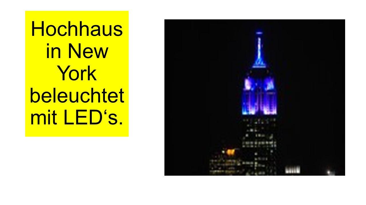 Hochhaus in New York beleuchtet mit LED's.