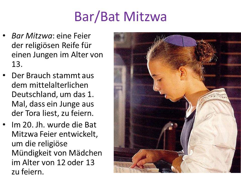Bar/Bat Mitzwa Bar Mitzwa: eine Feier der religiösen Reife für einen Jungen im Alter von 13.