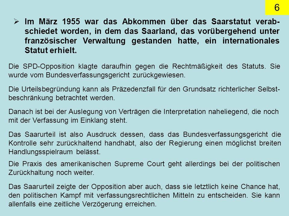 Im März 1955 war das Abkommen über das Saarstatut verab-schiedet worden, in dem das Saarland, das vorübergehend unter französischer Verwaltung gestanden hatte, ein internationales Statut erhielt.