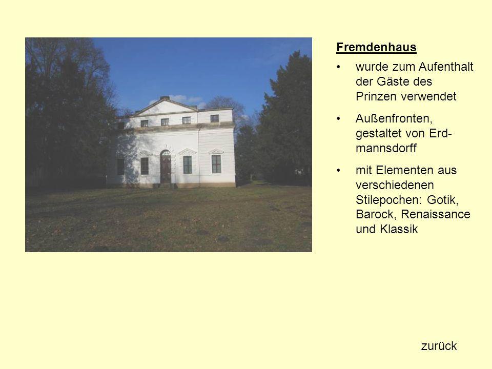 Fremdenhaus wurde zum Aufenthalt der Gäste des Prinzen verwendet. Außenfronten, gestaltet von Erd-mannsdorff.