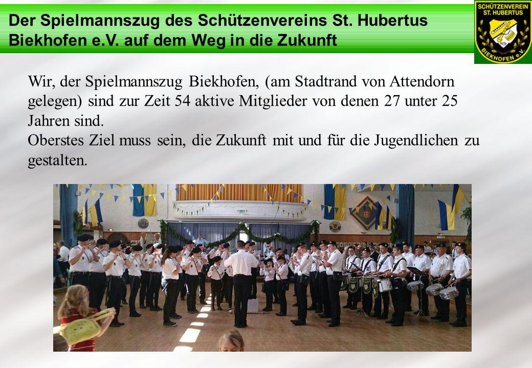 Wir, der Spielmannszug Biekhofen, (am Stadtrand von Attendorn gelegen) sind zur Zeit 54 aktive Mitglieder von denen 27 unter 25 Jahren sind.