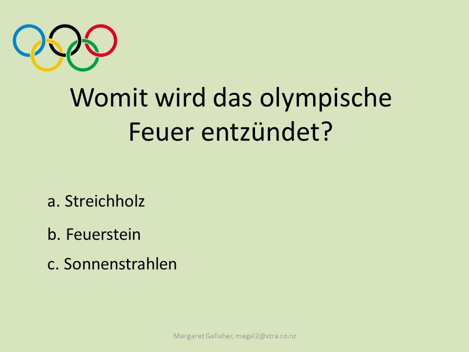Womit wird das olympische Feuer entzündet
