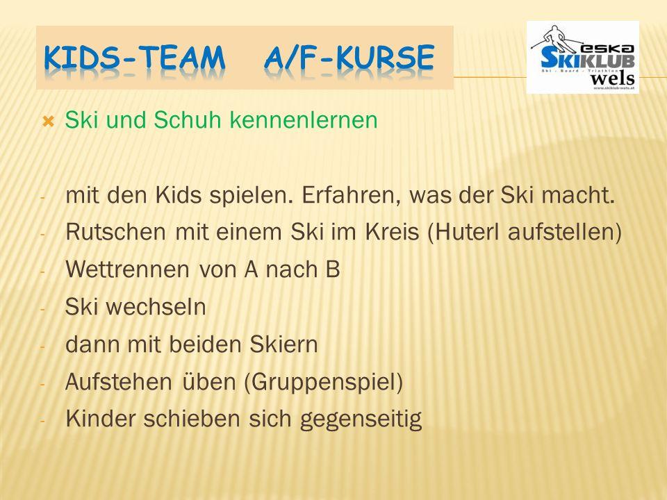 Kids-Team A/F-Kurse Ski und Schuh kennenlernen