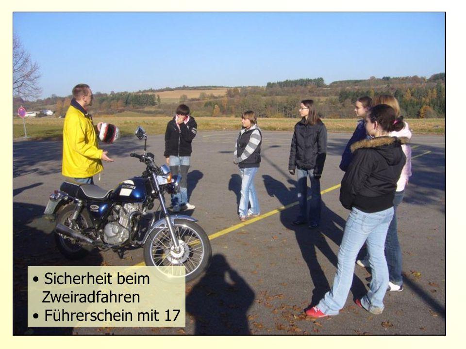 Sicherheit beim Zweiradfahren Führerschein mit 17