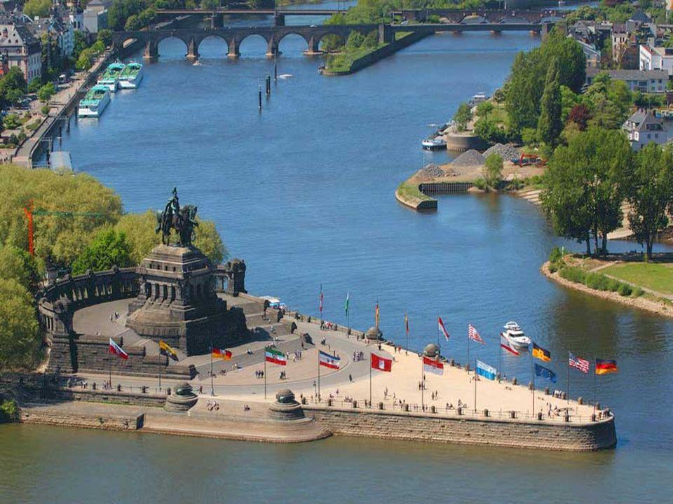 Koblenz, eine wunderschöne Stadt, am Zusammenfluss von Mosel und Rhein gelegen, die von den Römern gegründet wurde.