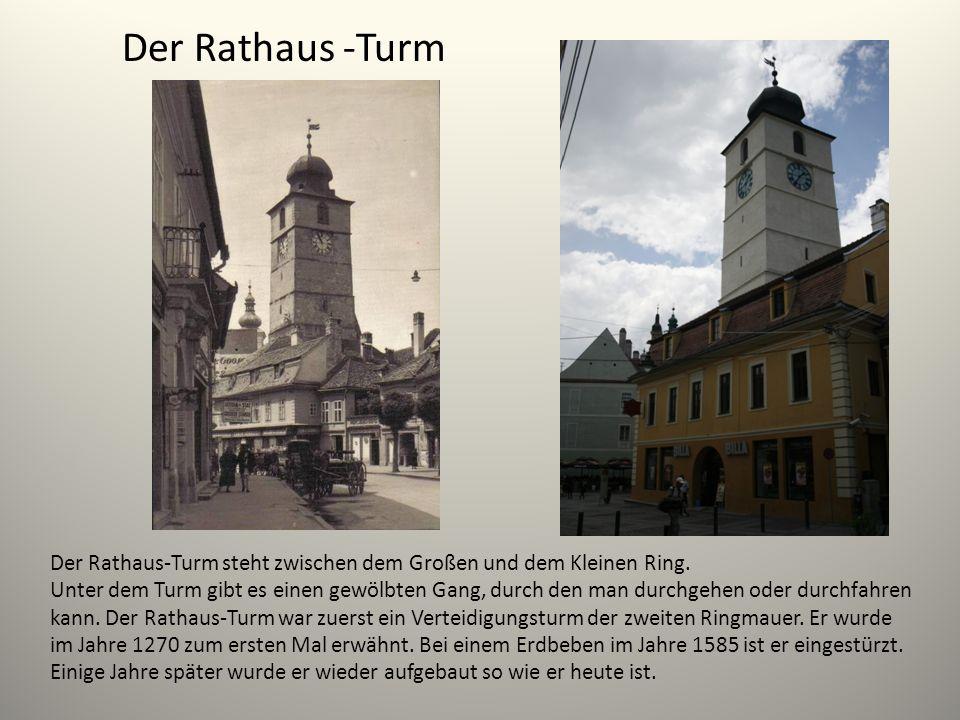 Der Rathaus -Turm Der Rathaus-Turm steht zwischen dem Großen und dem Kleinen Ring.