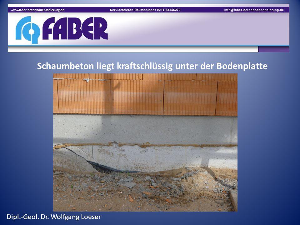 Schaumbeton liegt kraftschlüssig unter der Bodenplatte