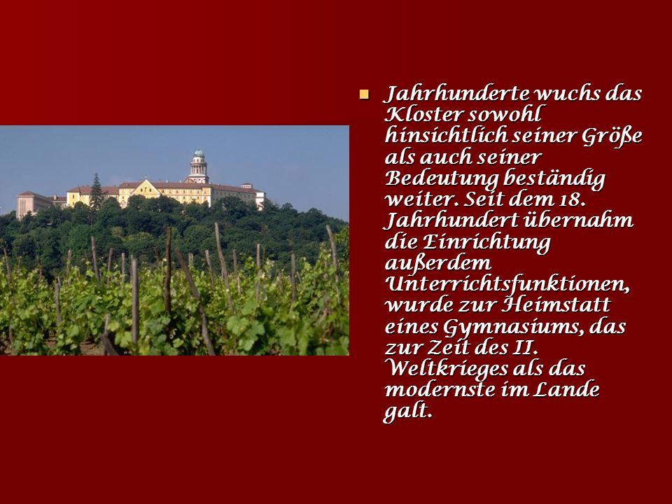 Jahrhunderte wuchs das Kloster sowohl hinsichtlich seiner Größe als auch seiner Bedeutung beständig weiter.