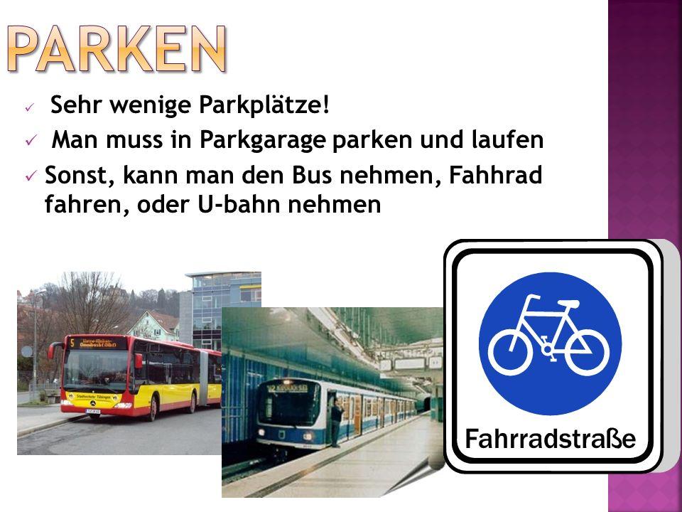 Parken Man muss in Parkgarage parken und laufen