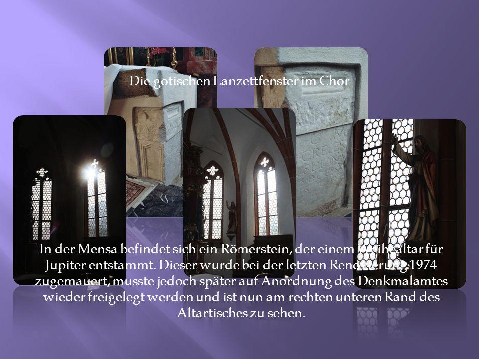 Die gotischen Lanzettfenster im Chor