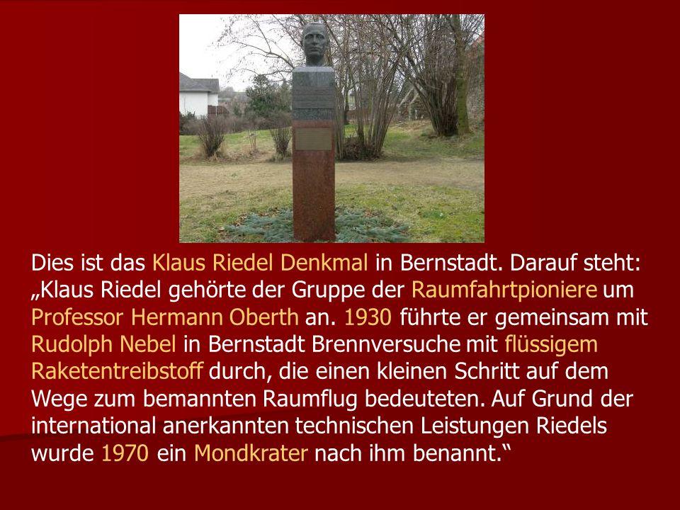 Dies ist das Klaus Riedel Denkmal in Bernstadt