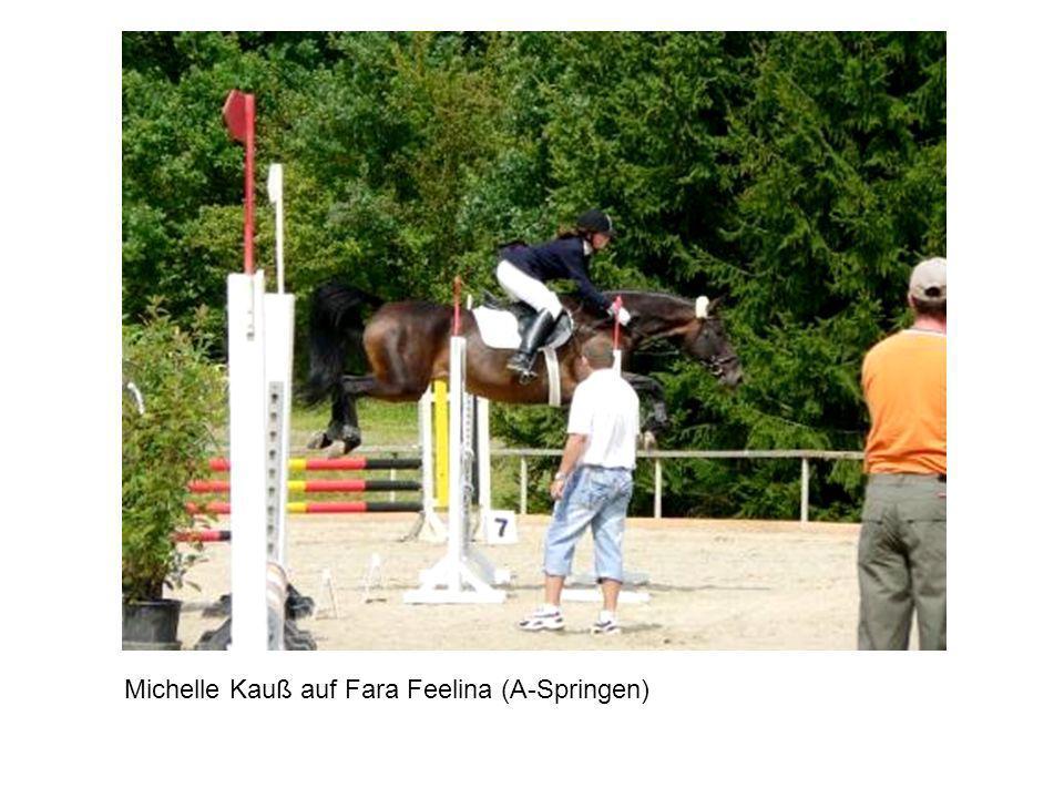 Michelle Kauß auf Fara Feelina (A-Springen)