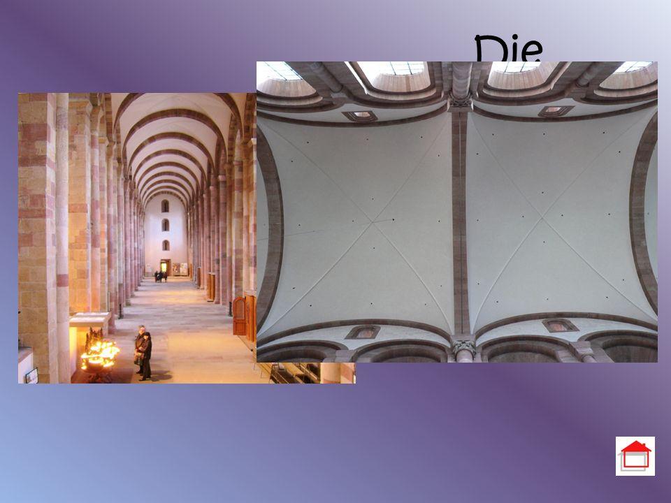 Die Seitenschiffe Höhe der Seitenschiffe: 14,40m Tonnengewölbe