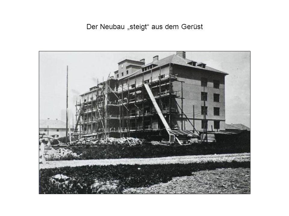 """Der Neubau """"steigt aus dem Gerüst"""