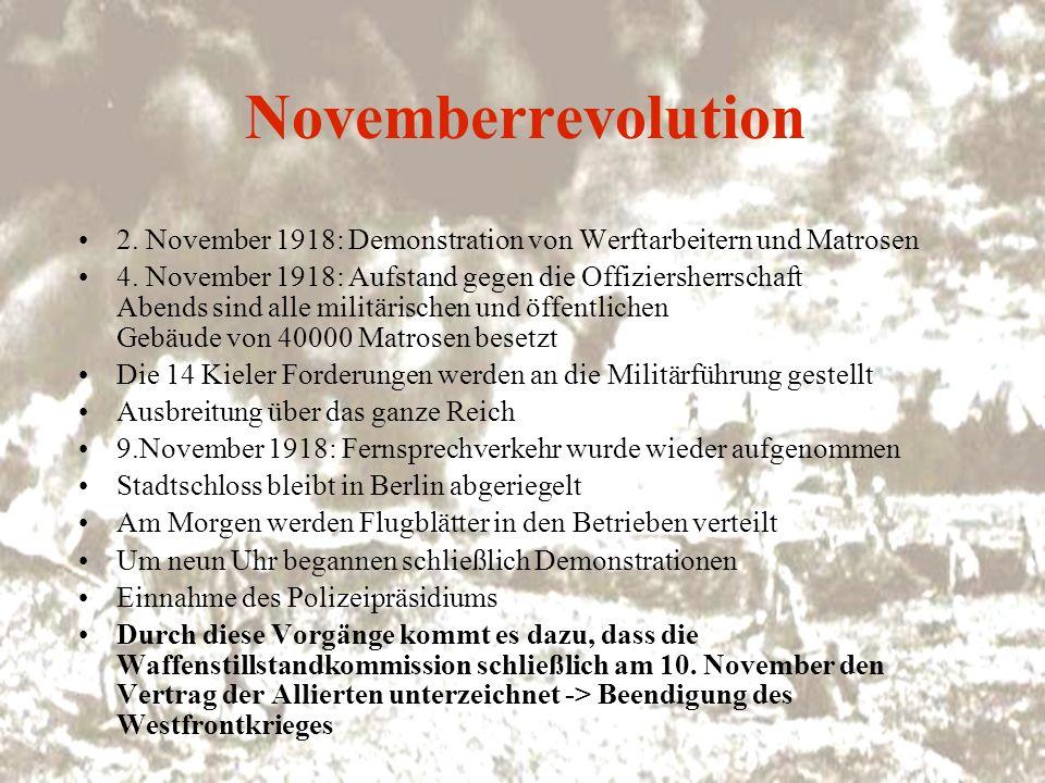 Novemberrevolution 2. November 1918: Demonstration von Werftarbeitern und Matrosen.
