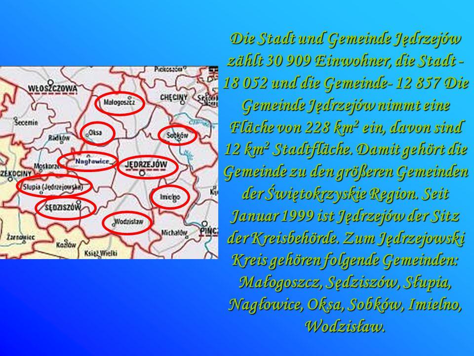 Die Stadt und Gemeinde Jędrzejów zählt 30 909 Einwohner, die Stadt - 18 052 und die Gemeinde- 12 857 Die Gemeinde Jędrzejów nimmt eine Fläche von 228 km2 ein, davon sind 12 km2 Stadtfläche.