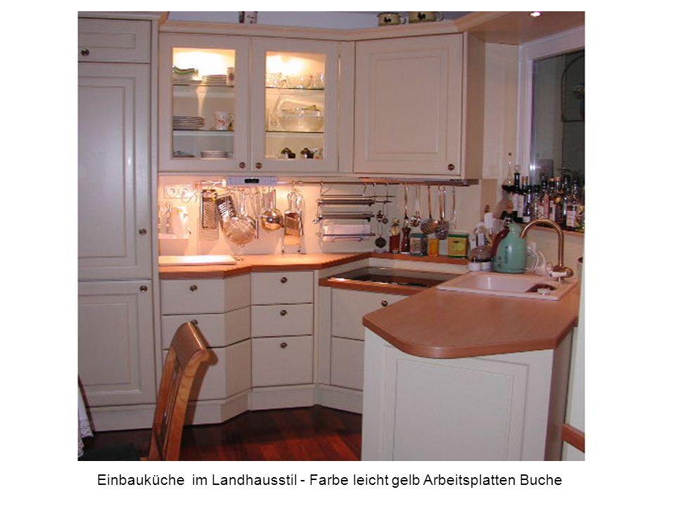 Einbauküche im Landhausstil - Farbe leicht gelb Arbeitsplatten Buche