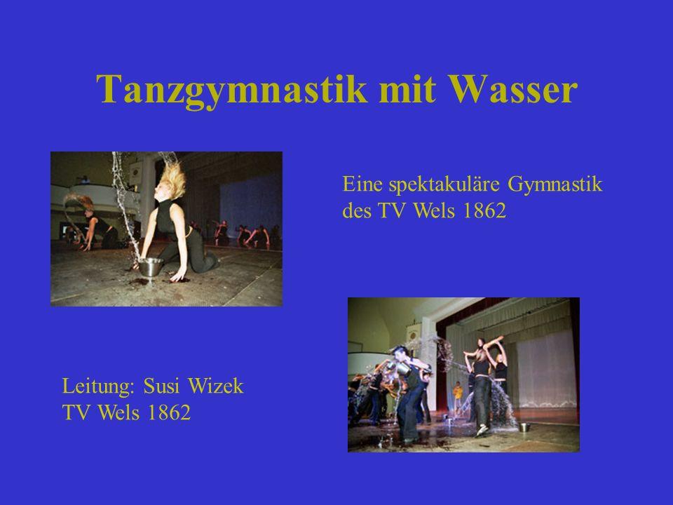 Tanzgymnastik mit Wasser