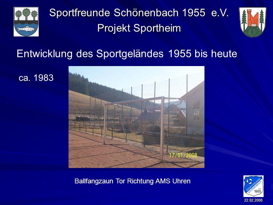 Ballfangzaun Tor Richtung AMS Uhren
