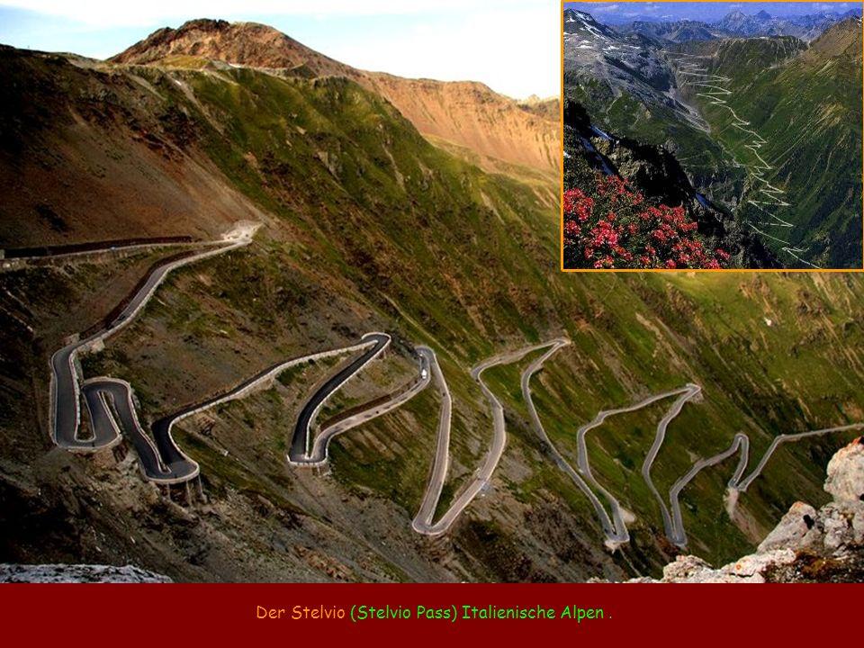 Der Stelvio (Stelvio Pass) Italienische Alpen .