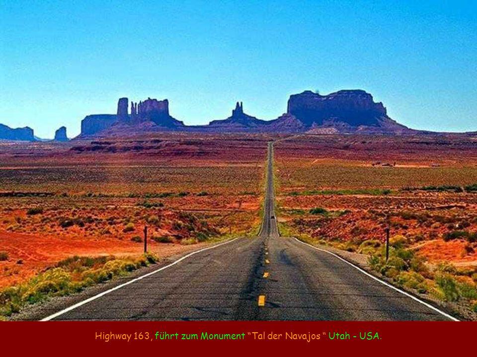 Highway 163, führt zum Monument Tal der Navajos Utah - USA.