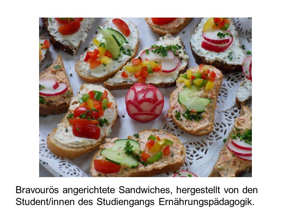 Bravourös angerichtete Sandwiches, hergestellt von den Student/innen des Studiengangs Ernährungspädagogik.