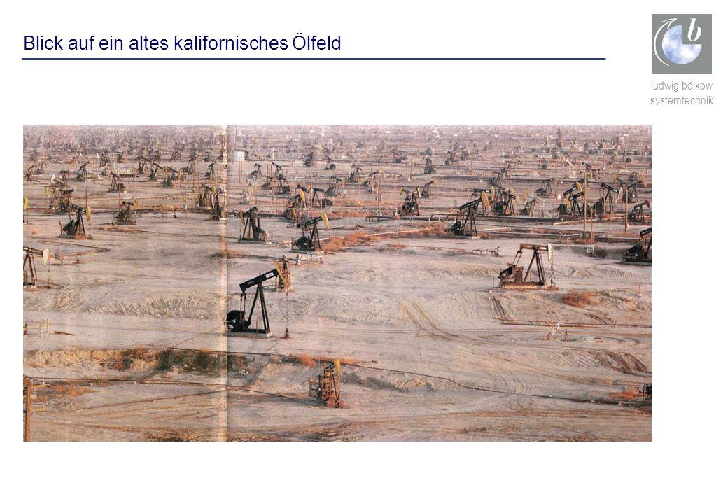 Blick auf ein altes kalifornisches Ölfeld