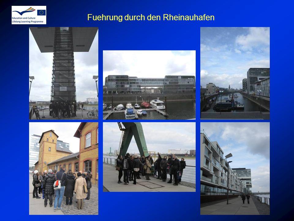 Fuehrung durch den Rheinauhafen