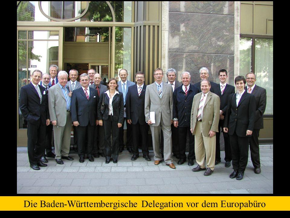 Die Baden-Württembergische Delegation vor dem Europabüro