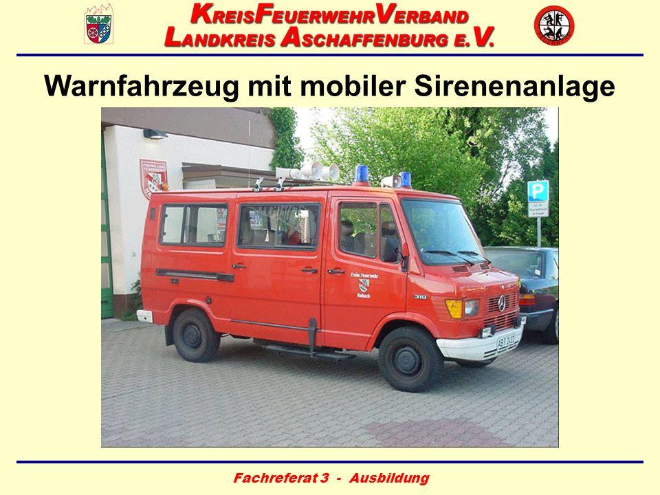 Warnfahrzeug mit mobiler Sirenenanlage