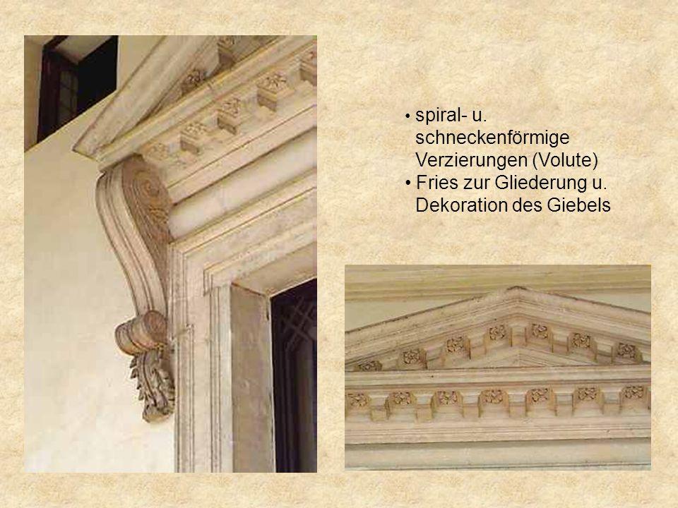 Verzierungen (Volute) Fries zur Gliederung u. Dekoration des Giebels